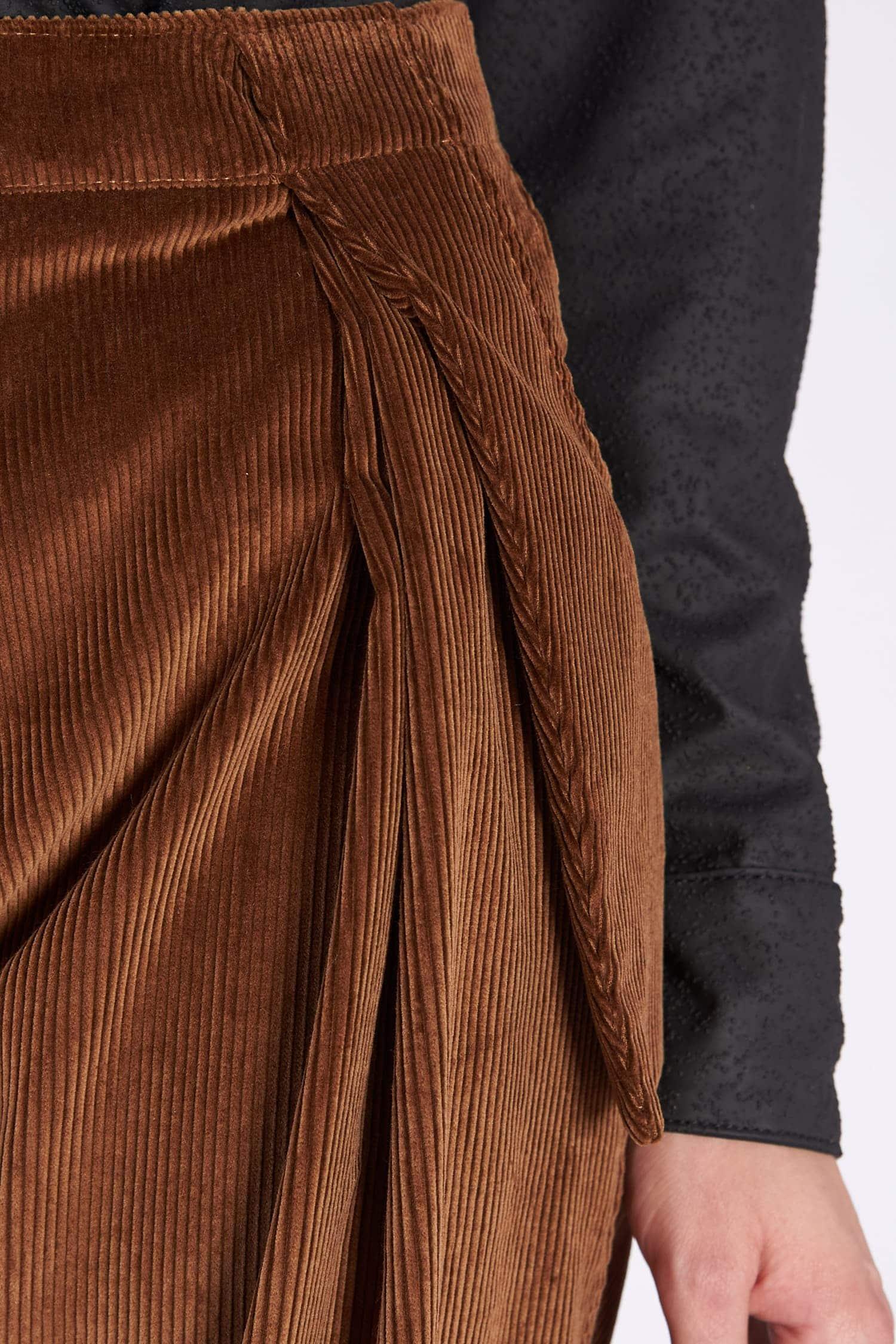 Acephala AW2018-19 Brown Corduroy Trousers // Brązowe Spodnie Sztruksowe detail